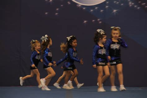 mimis corner     cheer competition