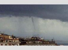 Waterspout in Naples Napoli, Italy – Nov 19, 1245 UTC