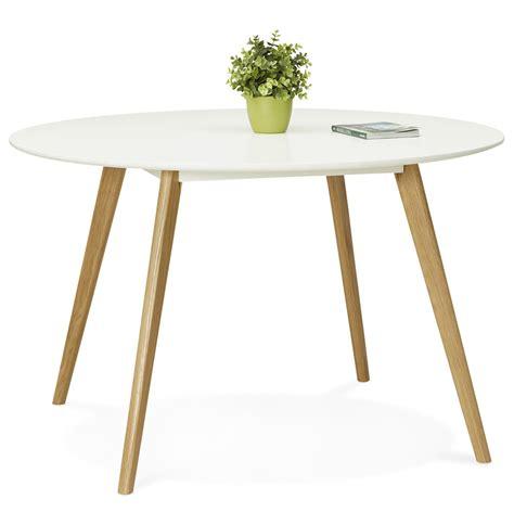 table cuisine bois blanc table ronde scandinave plateau blanc pieds bois immy