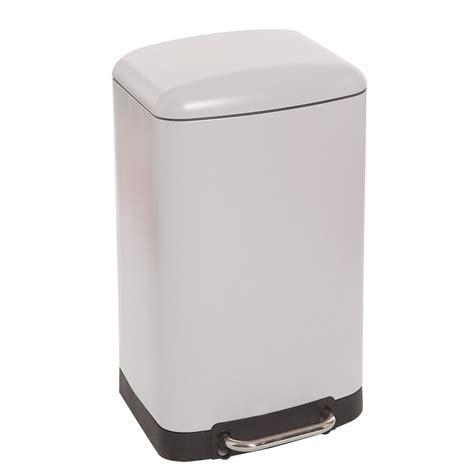 poubelle cuisine pedale 30 litres poubelle rectangulaire à pédale 30 litres blanc mat