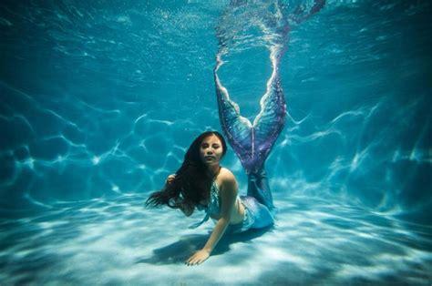 1,000 Americans Work As Mermaids And Mermen Full Time