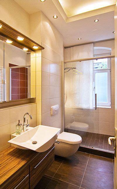 Kleines Bad Mit Dusche Und Fenster by Dusche Vor Dem Fenster Small Bathrooms Schmales