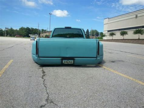 sell   chevy crew cab dually bagged  west des