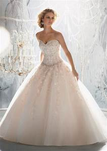 bridal party looks how to choose the wedding attire With wedding dress warehouse