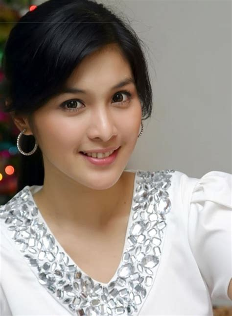 Wanita Hamil Tanpa Baju Sandra Dewi From Indonesia In Quot Bugil Quot Fake Photos