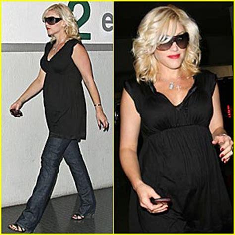 Gwen Stefani Hello Postpregnancy Body!  Gwen Stefani