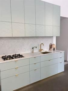 Ikea Küche Griffe : marble and pigeon blue hand knobs kitchen in 2019 k che ikea k che und k chen ideen ~ Frokenaadalensverden.com Haus und Dekorationen