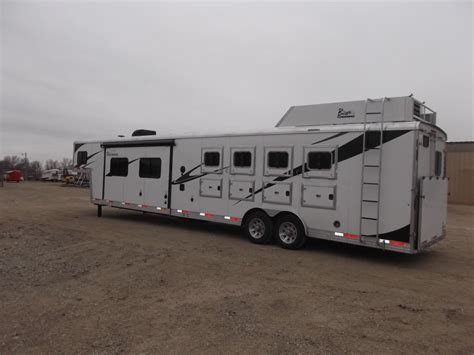 horse quarters living trailers features aluminum include steel stainless windows bar swing