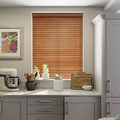 Window Blinds For Traditional Style Country Kitchens