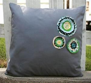 Simple Flower Cushion Embellishment