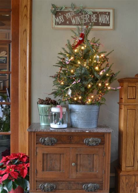 small christmas tree ideas 37 inspiring christmas tree ideas for small spaces feed inspiration