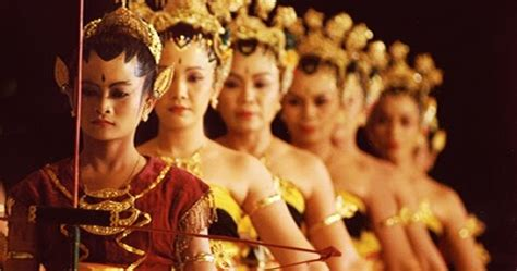 tarian tradisional  kesenian yogyakarta daftar wisata