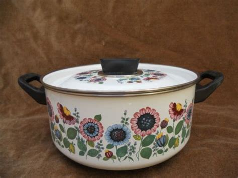 marmite et cuisine faitout emaille fleurs vintage annees 70 80 casserole