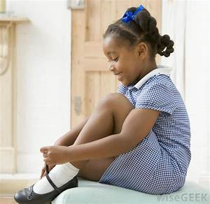 How do I Teach a Child How to Tie Shoes? (with pictures)  Wearing