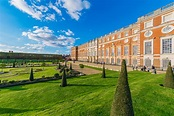 Gardens And Architecture Of Hampton Court Palace Stock ...