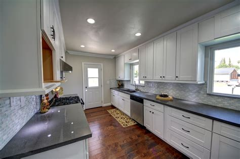 buy white kitchen cabinets buy rta kitchen cabinets at low prices with attractive 5039