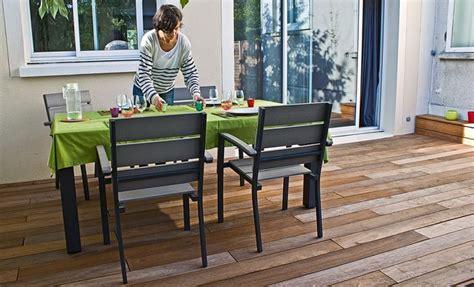 comment amenager une terrasse en bois r 233 ussir la pose d une terrasse en bois exotique