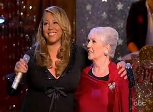 Video Mariah Carey39s Christmas Special Rap Up