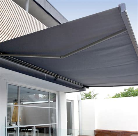 custom retractable awning paradise outdoor kitchens outdoor grills outdoor awnings