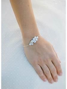 bracelet mariage quotcarolinequot avec fleur retro et perles nacrees With bracelet de mariage