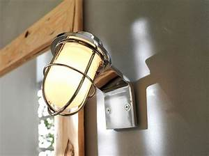 Plafonnier Salle De Bain Castorama : 12 luminaires pour la salle de bains elle d coration ~ Nature-et-papiers.com Idées de Décoration