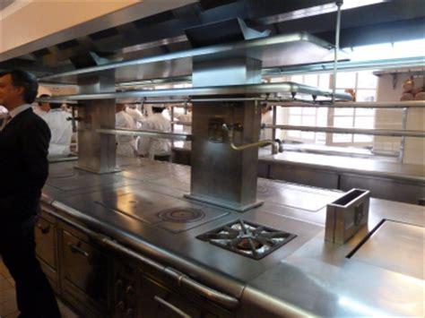 molteni cuisine entrée dans les coulisses de l élysée les cuisines