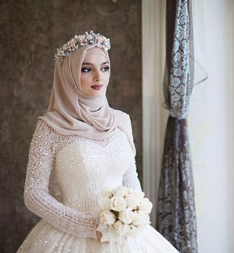 modern muslim wedding hijabs  brides