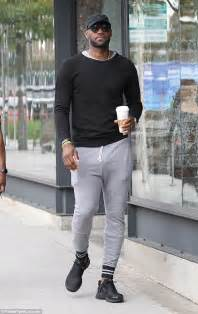 t shirt nike run fly lebron looks casual in tight sweatpants on low key