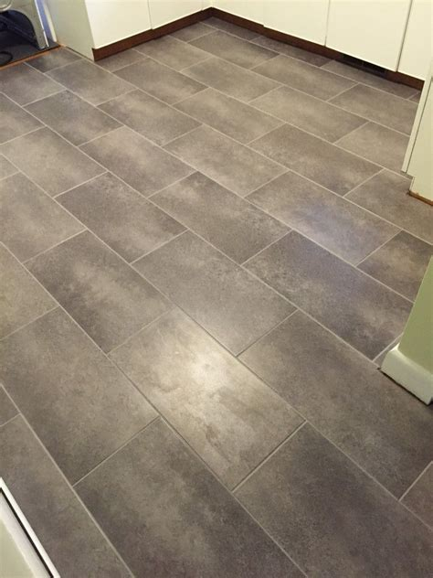 lay vinyl floor tiles  linoleum bathrooms remodel
