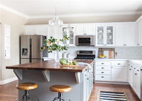 accessible beige kitchen cabinets interior design ideas home bunch interior design ideas