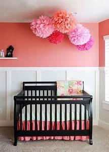 Baby Nestchen Rosa : babyzimmer pfirsich rosa pompoms babyzimer m dchen ~ Watch28wear.com Haus und Dekorationen