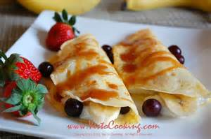 French Crepe with Fresh Fruit and Yogurt