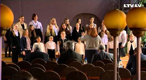 Skolēnu dziesmu un deju svētki - YouTube