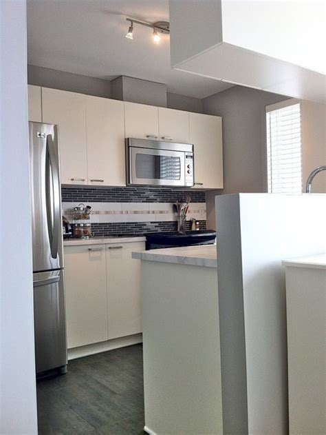 Best Small Condo Kitchen Design Ideas & Remodel Pictures