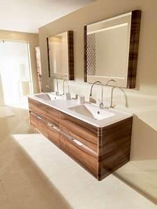 Salle De Bain Blanche Et Bois : la salle de bains en bois design 5 photos c t maison ~ Preciouscoupons.com Idées de Décoration