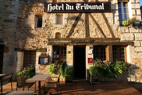 hotel avec chambre familiale logis hôtel de charme hôtel du tribunal à mortagne au