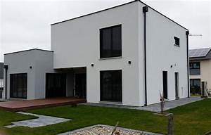 einfamilienhaus modern holzhaus flachdach modern fenster With französischer balkon mit schneider sonnenschirme werksverkauf