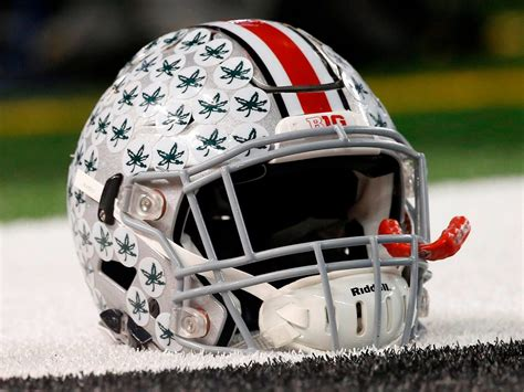 Top 10 Best Helmets In College Football   Downtown Huntington