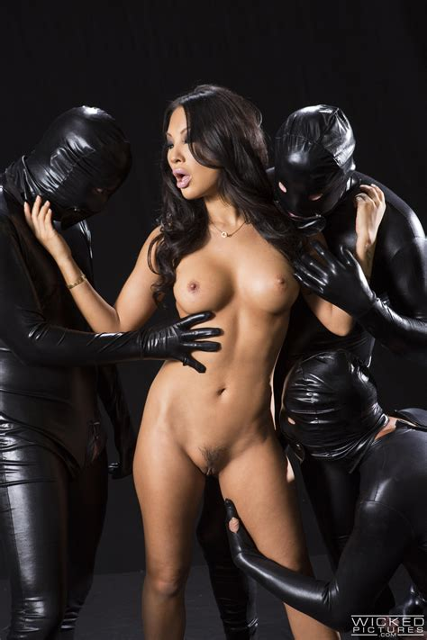 Hot Asian Woman Is Having Wild Sex Photos Asa Akira MILF Fox