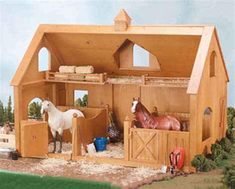 Breyer Traditional #302 Deluxe Wood Barn W/ Cupola (horse