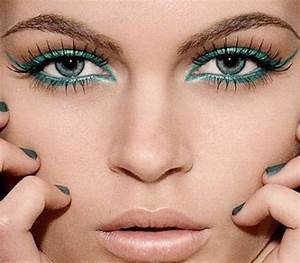 13 Beautiful Green Eye Makeup Ideas and Tutorials - Pretty ...