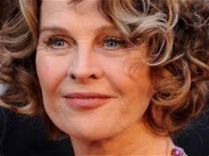 Coupe De Cheveux Pour Visage Rond Femme 50 Ans : coupe de cheveux pour visage rond femme 50 ans par ~ Melissatoandfro.com Idées de Décoration