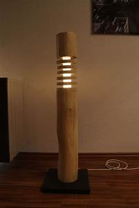 Lampe Mit Holzstamm : die besten 17 ideen zu stehlampe holz auf pinterest buchenholz design lampen und nachtleuchte ~ Indierocktalk.com Haus und Dekorationen