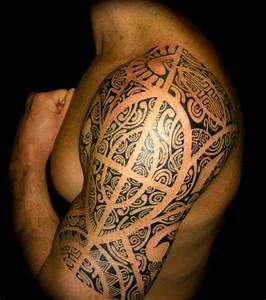 Maorie Tattoo Oberarm : maori tattoos entdeckt die sch nsten tattoos in tribalform ~ Frokenaadalensverden.com Haus und Dekorationen