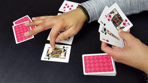Como se juega cartas en un casino