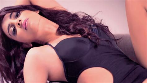 marathi actress kiss photos marathi actress hot bold kisses pics collection