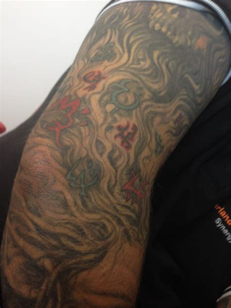 peter  bretts blog detailed warded sleeve tatt october