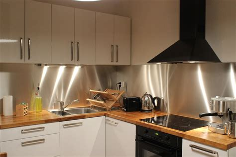 type de hotte de cuisine credence cuisine aluminium crédences cuisine