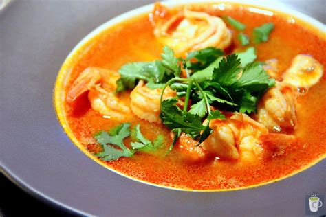 tom yum soup tom yum goong soup recipe dishmaps