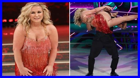 Anastacia Suffers Epic Wardrobe Malfunction On Dancing